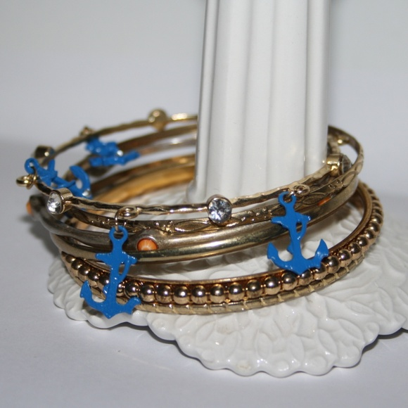 Lot of 6 gold bangle bracelets